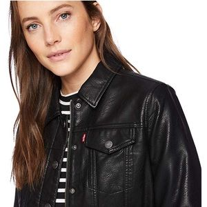 Levi's classic Faux Leather Trucker Jacket 🖤